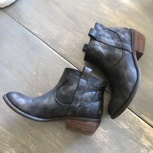 RESTRICTED metallic bootie